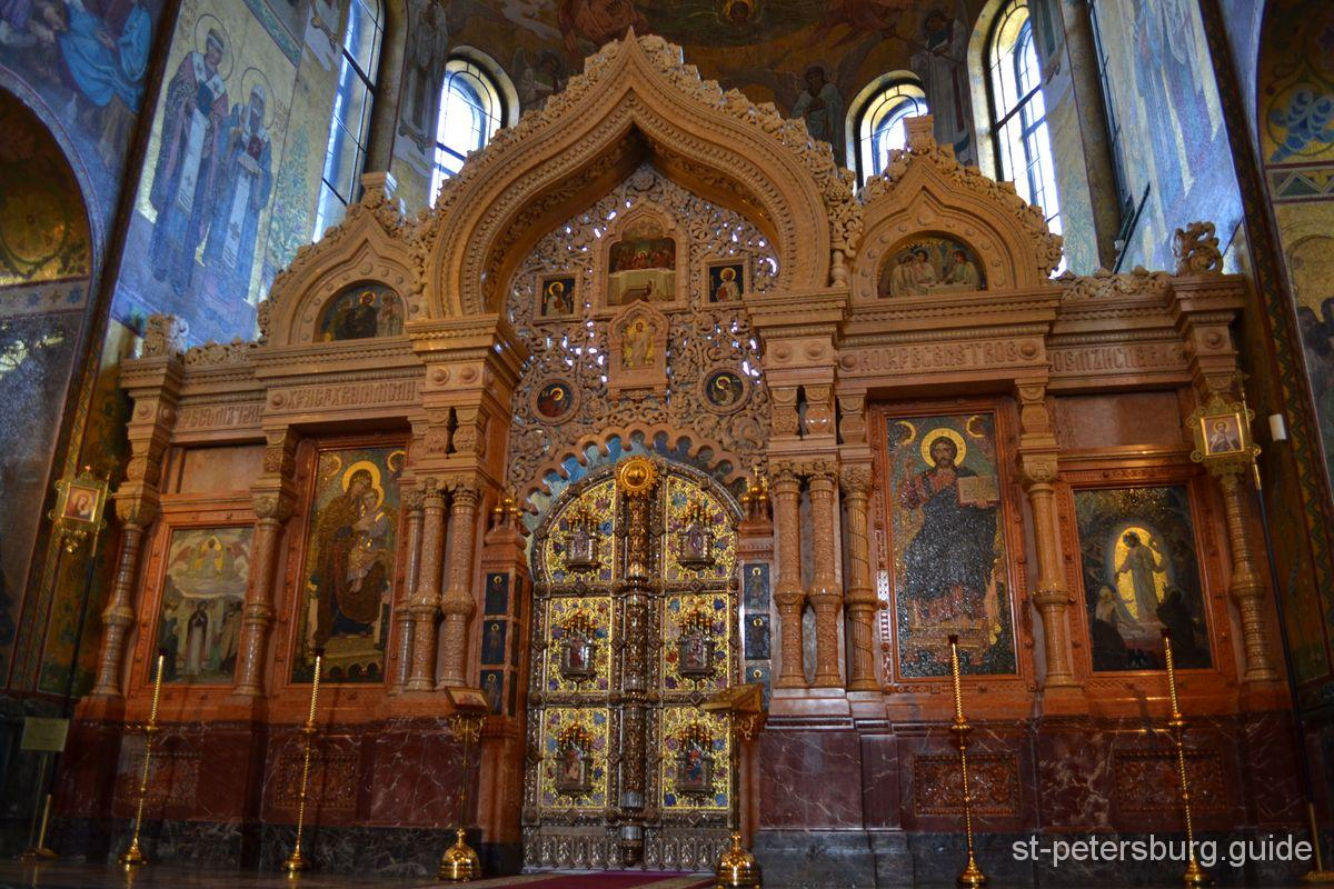 semi-precious stone iconostasis in Spilled blood church
