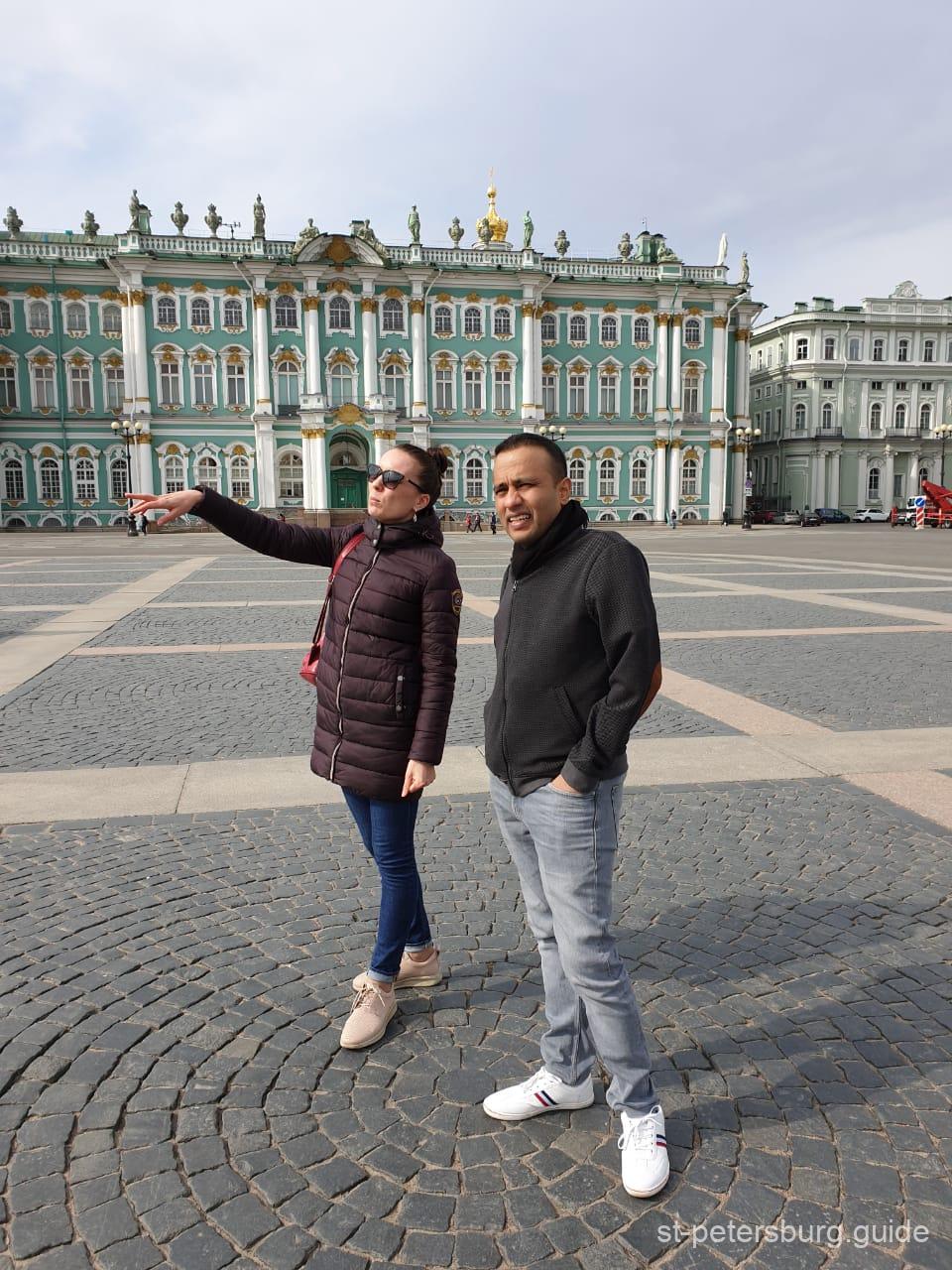 gaplichnaya guide providing city tour