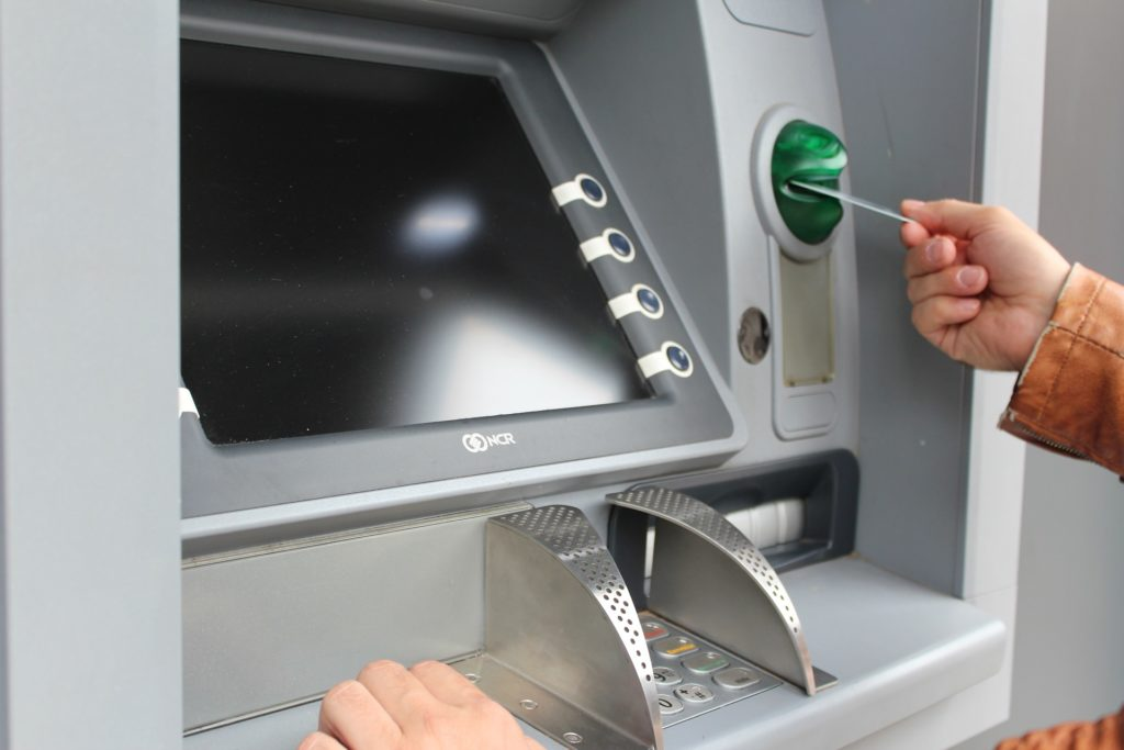 atm to withdraw cash