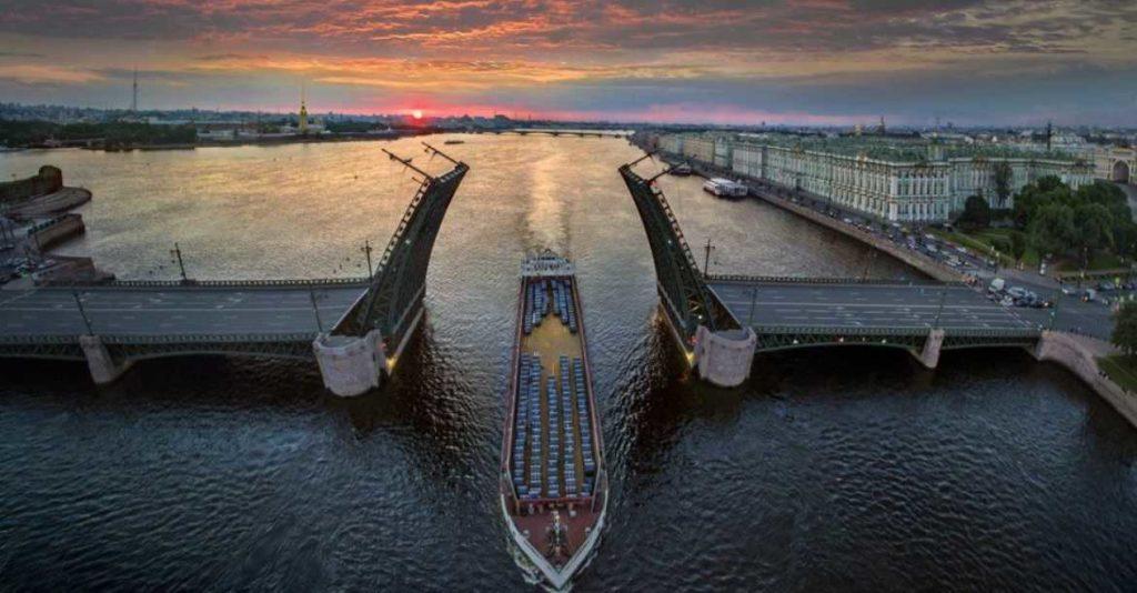 Raising Palace bridge in Petersburg Russia