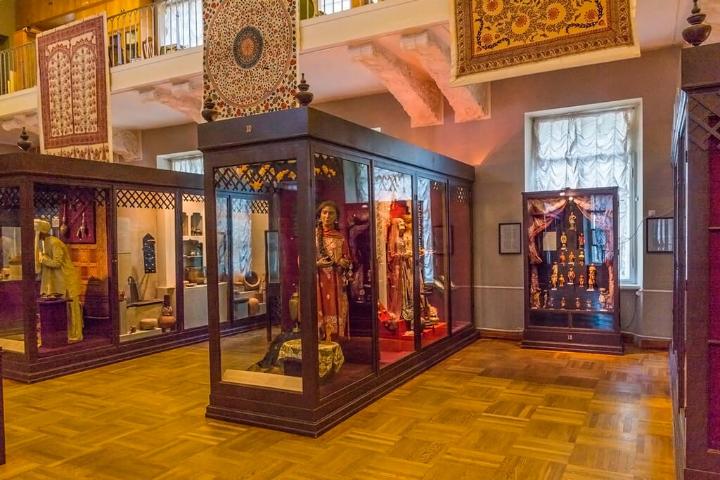 Indian exposition in the Kunstkamera, St Petersburg