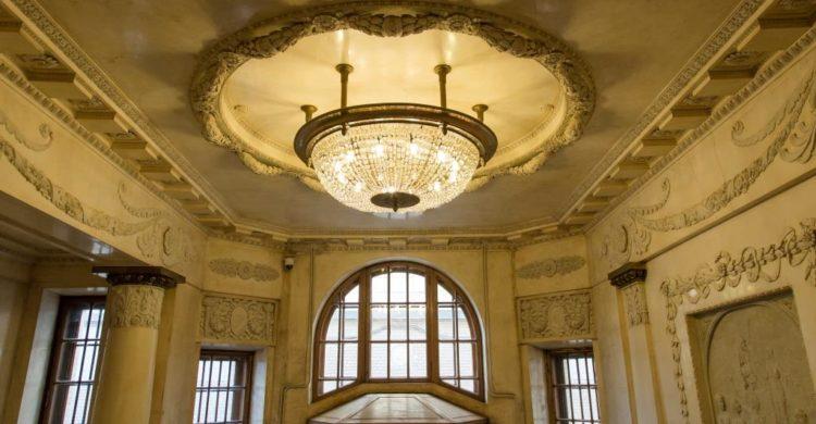 A chandelier in the mansion of Matilda Kshesinskaya