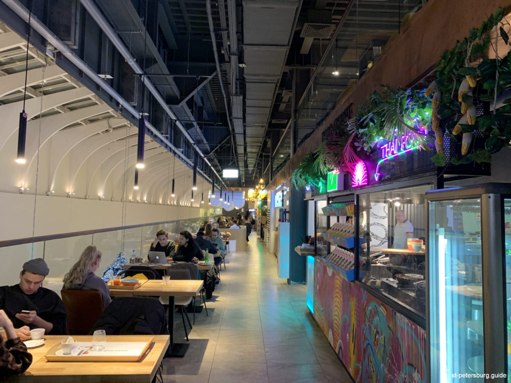 A new and comfortable food court in Saint Petersburg