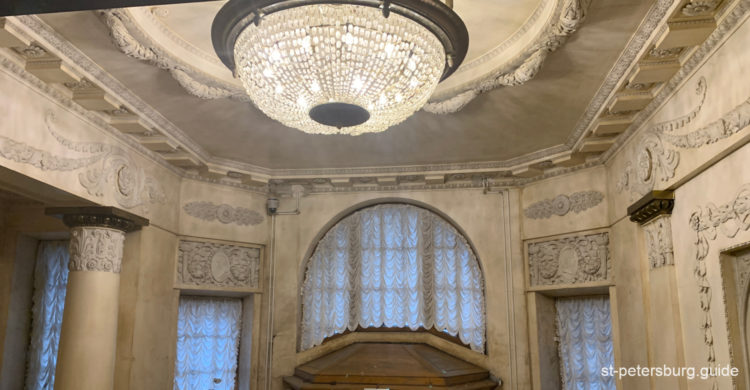 Inside the Mansion of Matilda Kshesinskaya. Chandelier and other authentic design decorations