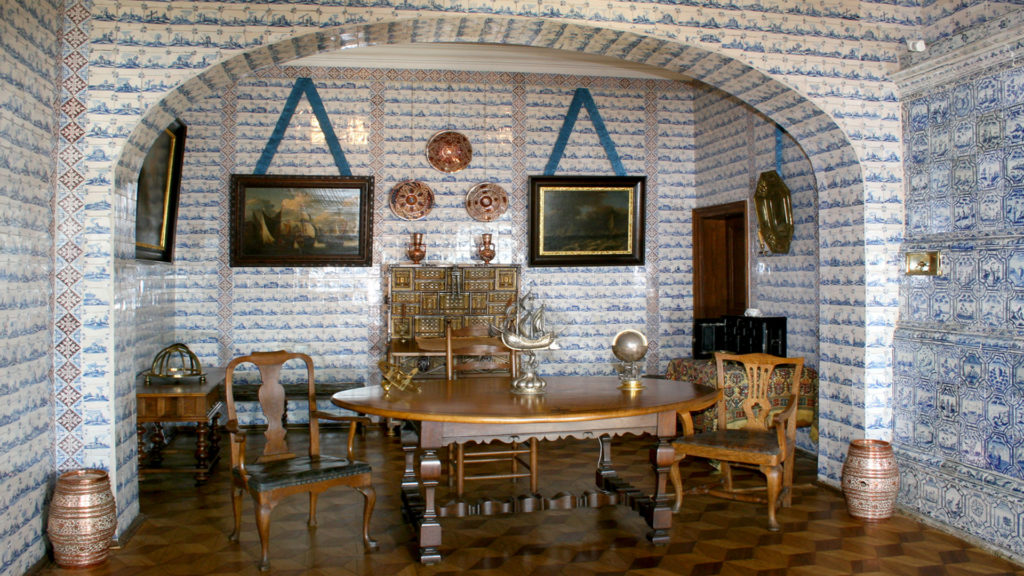 Luxurious design of the Menshikov palace