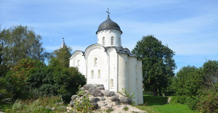 Staroladozhskiy Svyato-Uspenskiy Devichiy Monastery, Volkhov
